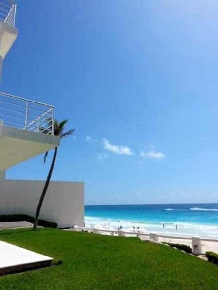 Casa Frente Al Mar  En Venta Villas Nizuc Cancun
