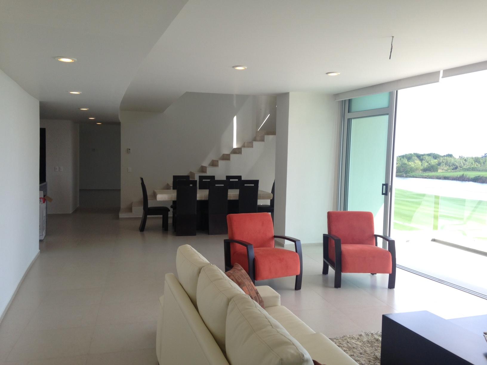Departamento en venta tipo Town House 3-4 recamaras Puerto Cancun vista al mar y campo de Golf