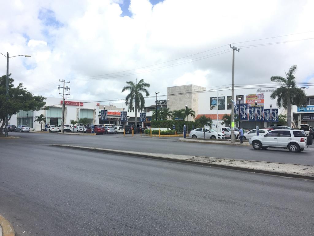 Locales Comerciales en Plaza Con Alto Flujo de 50m2 a 600m2