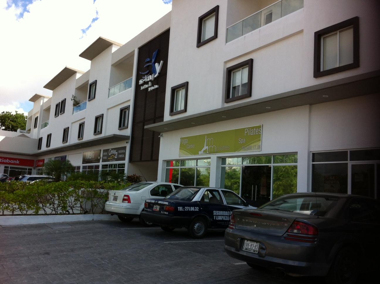 Local Comercial en renta sobre Av. Kabah Cancun Centro