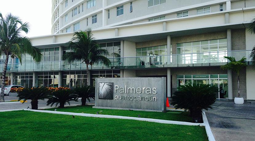 Locales Comerciales en Venta y/o Renta en Av. Bonampak Plaza Palmeras Puerto Cancun
